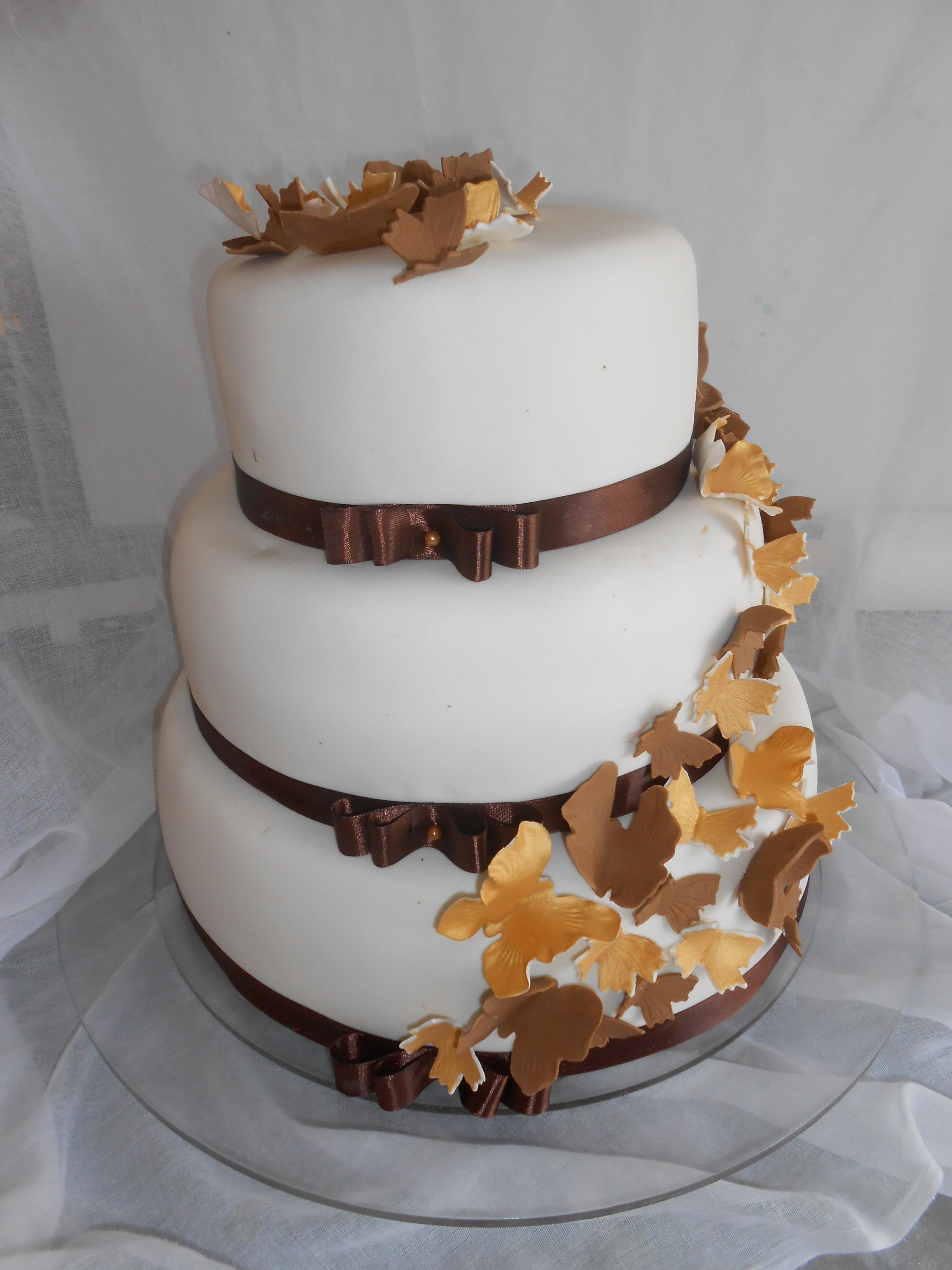 gluténmentes esküvői torta Aprósütemény és Torta   Erzsébetligeti Étterem és Rendezvényház gluténmentes esküvői torta